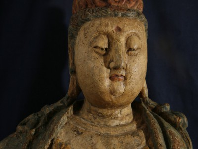 Guan-Yin-Holzfigur